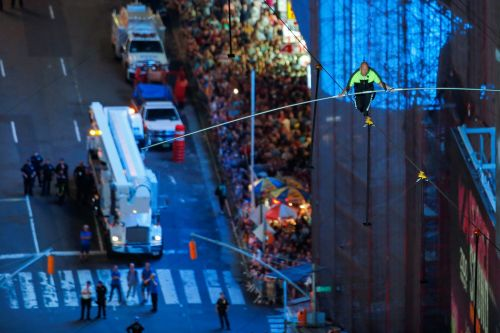 Flying Wallendas siblings triumphantly cross Times Square on tightrope