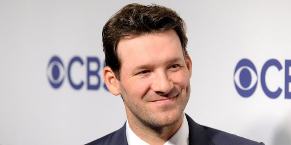 Tony Romo once again stunned NFL viewers with his uncanny ability to predict play calls during the AFC Championship