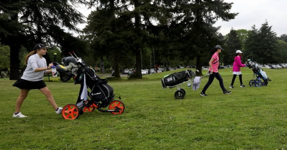 Young golfers tee it up at Seattle's First Tee championship