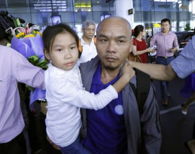 3 Vietnamese sailors freed by Somali pirates return home