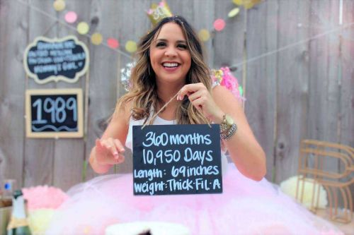 'I wanted to do something fun': Woman turns 30, celebrates with baby-like photoshoot