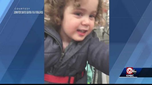 Happy toddler's trip to Costco goes viral