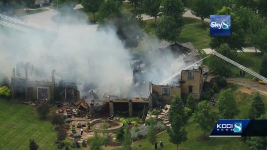 Massive fire destroys $1.8 million home in Warren County