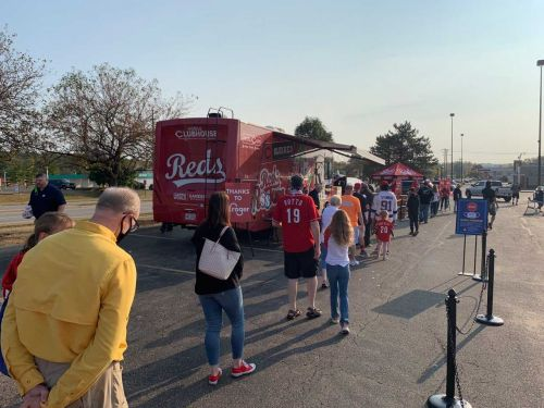 After Cincinnati Reds clinch playoffs, fans flock to giveaway events