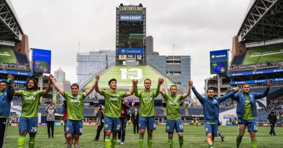 Sounders can't overcome injuries, or LAFC, to lose first match this season