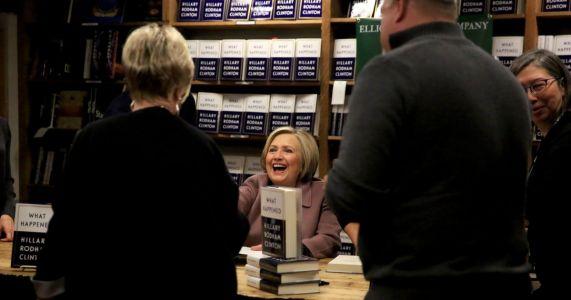 'She's American royalty': Hundreds line up to meet Hillary Clinton in Seattle