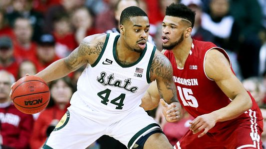 Michigan State forward Nick Ward out indefinitely with fractured hand