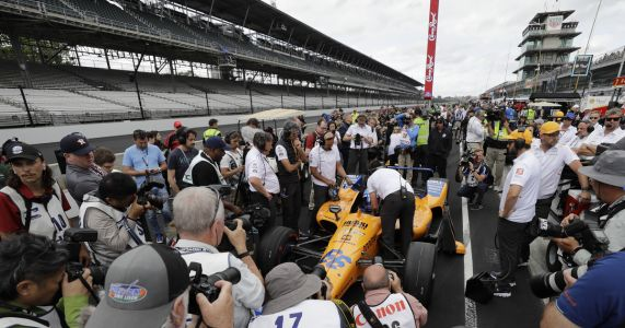 Alonso rejects McLaren offer to buy him Indy 500 seat