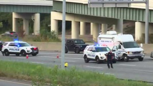 Authorities ID man killed while trying to cross I-71