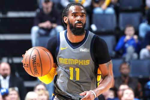 Grizzlies trade Mike Conley to Jazz in NBA shakeup