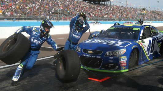 NASCAR changes pit crew rules and at-track roster limits for 2018