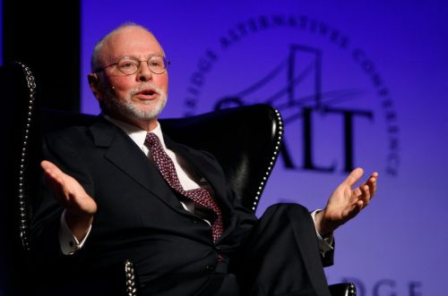 Billionaire hedge-fund manager Paul Singer's Elliott Management revealed a $1.4 billion stake in eBay, and the stock is surging