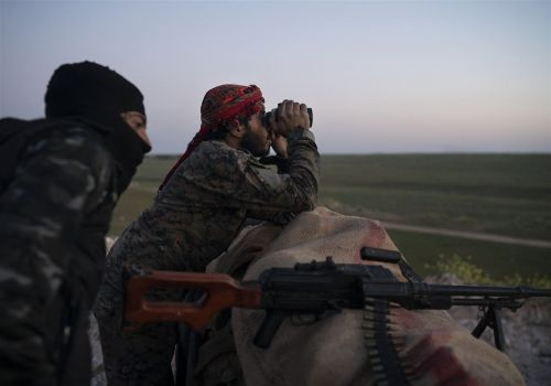 From Syria, Islamic State group slips into Iraq to fight another day