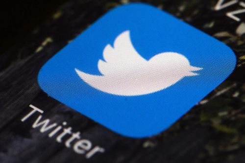 White House seizes on email as vindication in tussle with Twitter