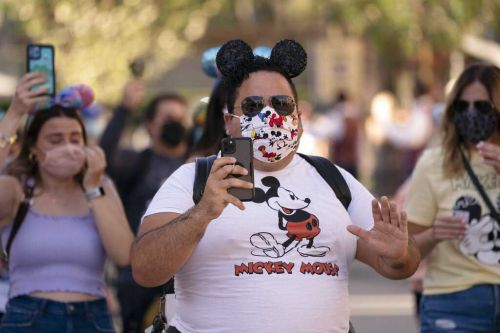 Masks no longer required for fully vaccinated guests at Disneyland starting June 15