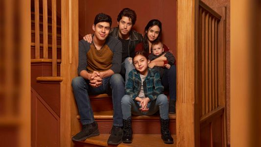 'Party of Five' is coming back: Reboot of 1990s drama involves deported parents