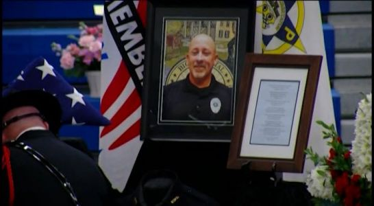 Community says goodbye to Indiana police chief killed in crash