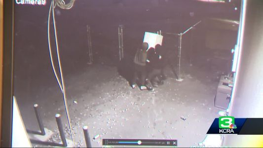 CAUGHT ON CAMERA: Thieves steal safe from Turlock store