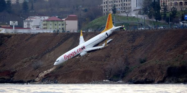 Jetliner skids off runway, nearly into Black Sea in Turkey