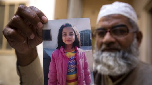 Pakistan Executes 'Serial Killer' Who Raped And Murdered 7-Year-Old Zainab Ansari