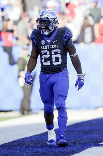 Kentucky jumps to No. 12 in AP poll