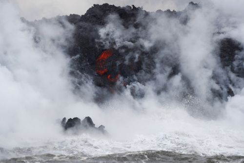 Lava from Kilauea volcano enters ocean, creates toxic cloud
