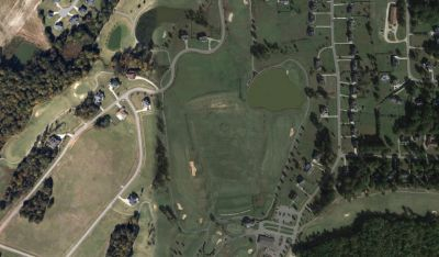 Golfers pull toddler from pond but are unable to save her