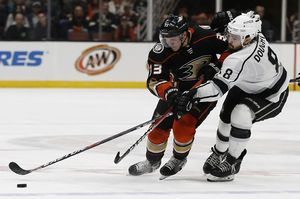 Kesler's goal sends Ducks past rival Kings, 2-1