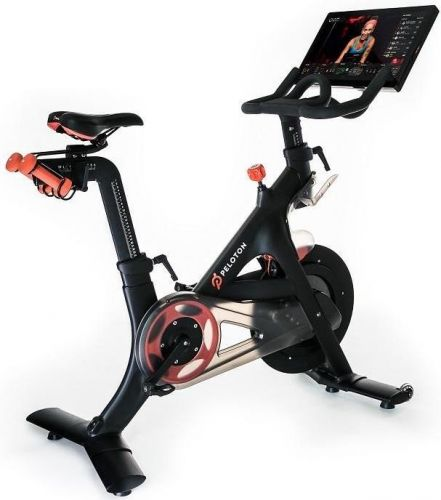 Peloton vs. Echelon Connect EX5S: Which is the better ride?