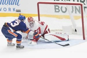 Barzal lifts Islanders past Red Wings, 4-3 in shootout