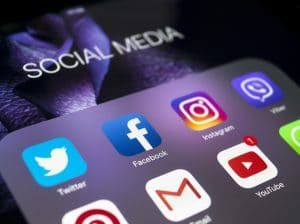 Online Social Networks May Ease Interpersonal Anxiety