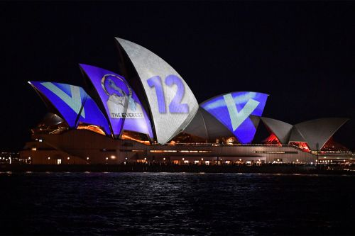 Sydney Opera House forced to display horse-racing ads on roof