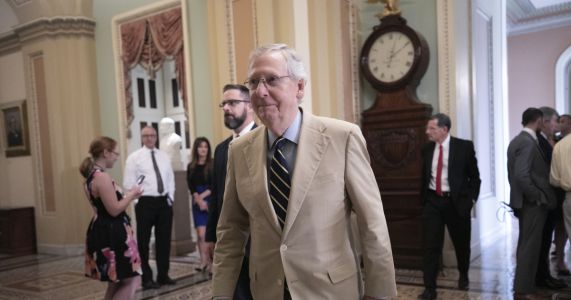 After stumbles, Trump and McConnell forge bond for midterms