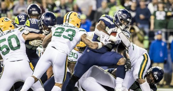 Analysis: Seahawks' playoff hopes aided greatly by events of the weekend