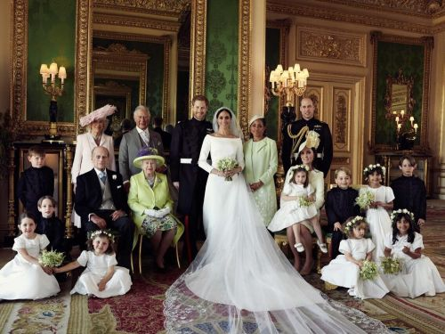 Kensington Palace releases official portraits from Prince Harry, Meghan Markle's wedding