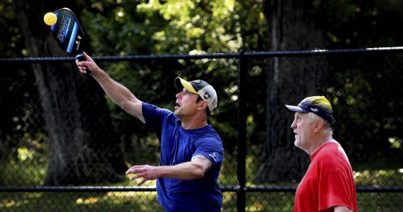 Tennis-style pickleball catching on in the Twin Cities