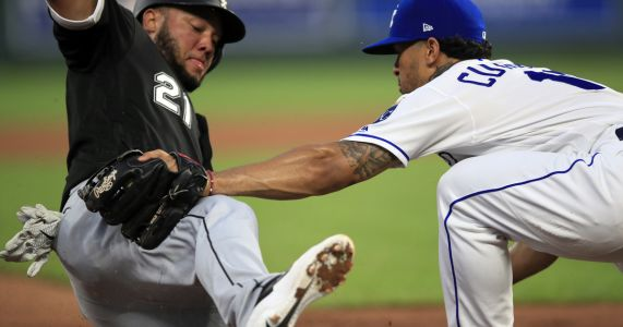 Royals send struggling White Sox to sixth straight loss