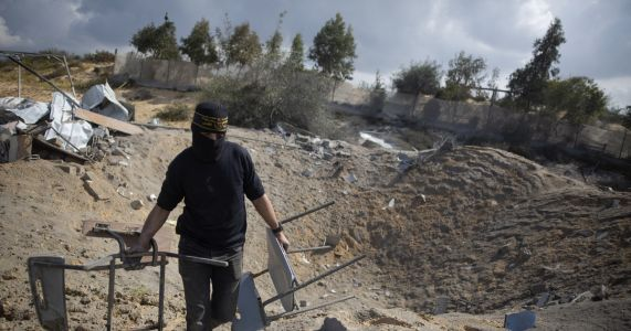 Palestinians fire rockets at Israel; Netanyahu threatens war