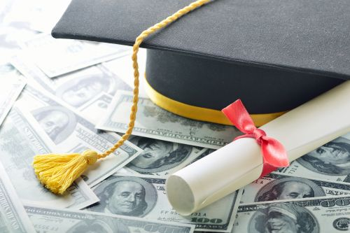Obscene interest rates continue to bury students in loan debt