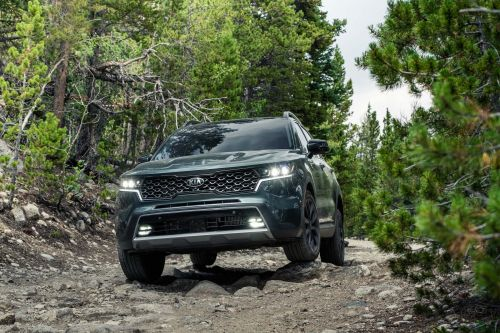 Kia gave its popular mid-size SUV the styling and interior of the popular Telluride - check out the new Sorento