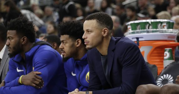 Stephen Curry doesn't believe men have been on moon; NASA offers to show him lots of rocks