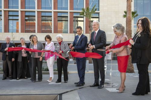 University and civic leaders celebrate the opening of Stanford Redwood City