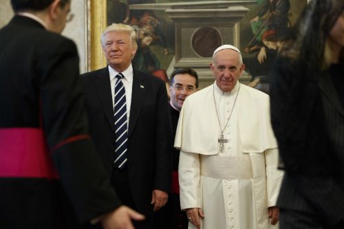 Pope Francis to engage oil executives in challenge to Trump's climate policies