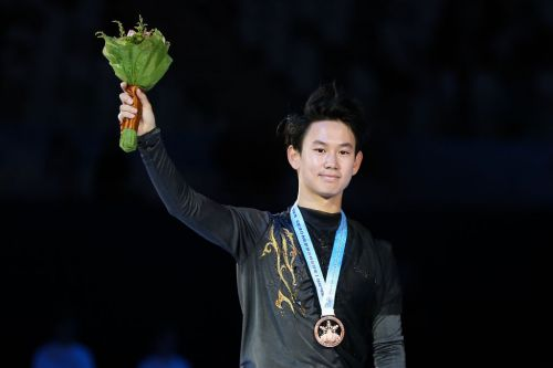 Report: 25-year-old Olympic skating medalist stabbed to death