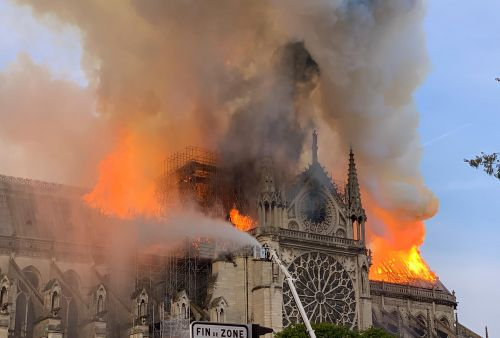 White House offers to assist Notre Dame repair while ignoring American recovery efforts