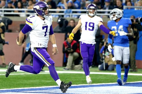 Vikings put stranglehold on NFC North with win over Lions