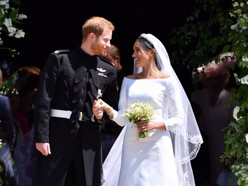 Prince Harry and Meghan Markle's official wedding photos are here - and people can't get enough of them