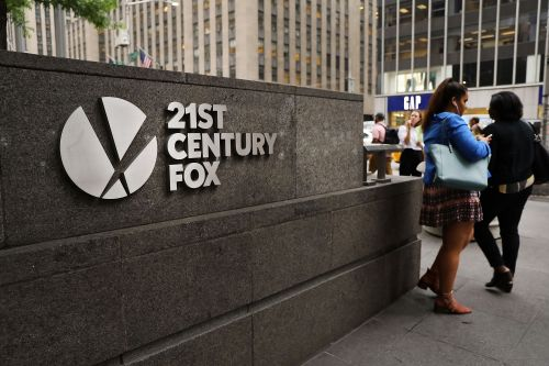 Fox will sell its Sky stake to Comcast