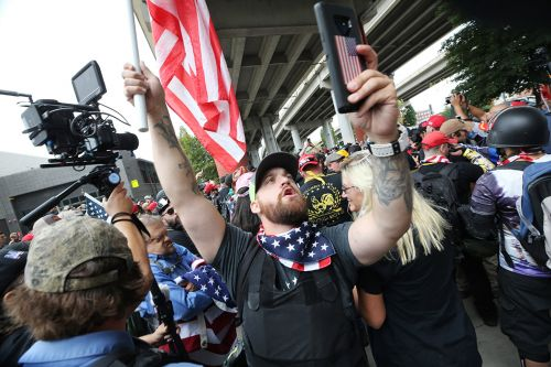 Weapons seized at Portland right-wing rally, counterprotests