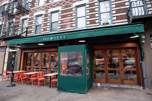 Trendy West Village eatery accused of skimping staff: suit